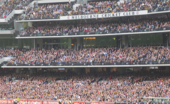 2013 Richmond v Carlton elimination final - almost 95,000 people (10)
